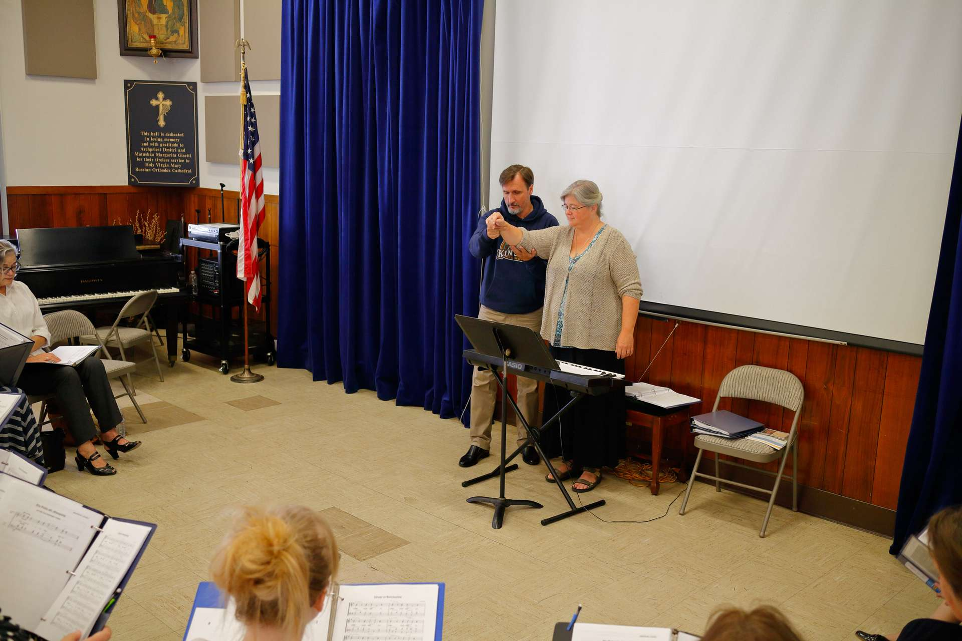 Al nostro ultimo pranzo insieme nella sala dei ricevimenti Gorbik ha fatto alcuni menti conclusivi iniziando con la valutazione del nostro canto